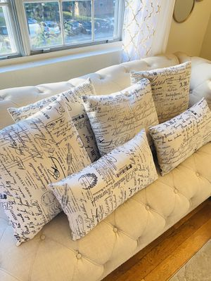 6 pillows for Sale in Washington, DC