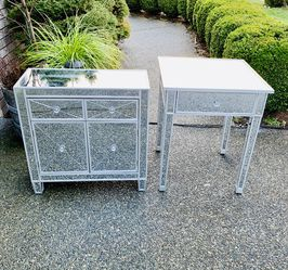 Beautiful Mirrored/ Wooden Silver Cabinet/ Nightstands/ Dressers (Like New Condition) for Sale in Renton,  WA