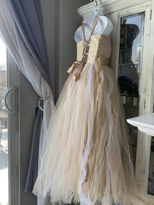 Gold and white dress for Sale in Hesperia, CA