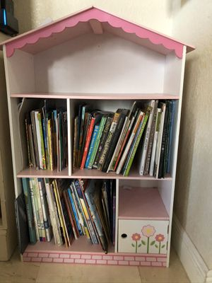 Bookshelves, nightstand and wall picture in great condition for Sale in Pembroke Pines, FL
