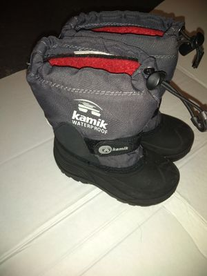 Kamik waterproof snow boots kids 6 for Sale in New York, NY