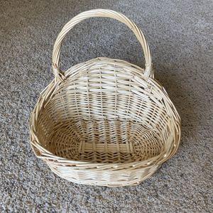 ‼️Wicker Hanging Basket‼️ for Sale in Edgar, WI