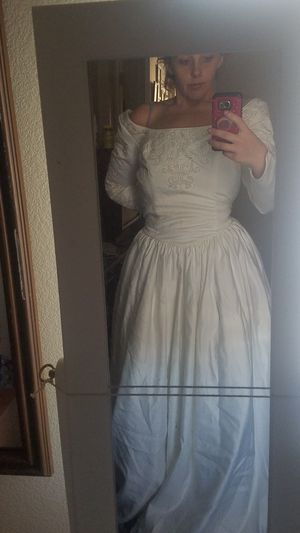 Wedding dress 14 but can be altered for Sale in Layton, UT