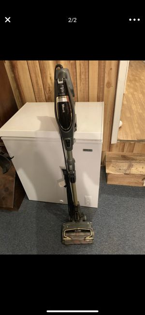 Shark vacuum for Sale in Clayton, NC