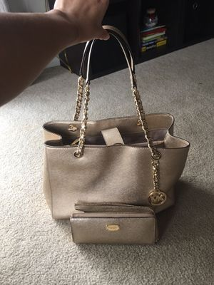 Micheal Kors for Sale in Oswego, IL