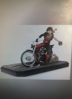 DC Collectables Gotham City Garage Harley Quinn statue for Sale in Maple Valley, WA