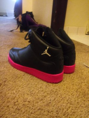 Jordans size 5 1/2 for Sale in St. Cloud, MN