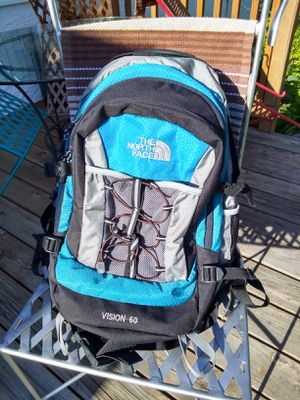 THE NORTH FACE ★ 60L HIKING BACKPACK • EXCELLENT CONDITION for Sale in SeaTac, WA
