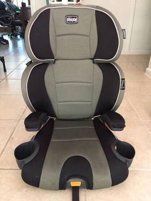 CHICCO Kidfit Booster Car Seat w/ LATCH System for Sale in West Palm Beach, FL