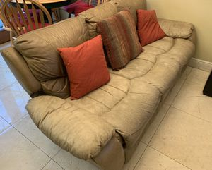 FREE- Reclinable electric sofa for Sale in Miami, FL