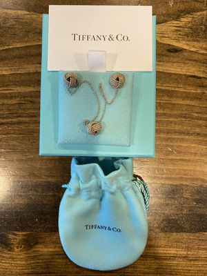 Tiffany Twist Knot Earrings and Pendant for Sale in Spring Hill, TN
