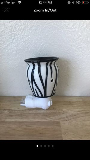 Scentsy Zebra Warmer for Sale in Rancho Cucamonga, CA