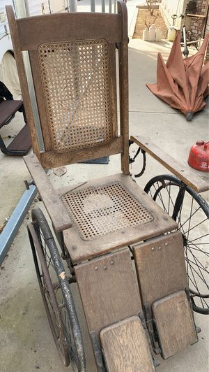 Antique wheel chair for Sale in Reedley, CA