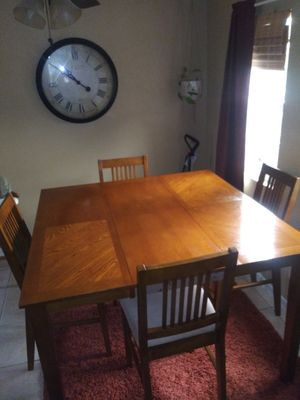 Kitchen table square or rectangular for Sale in Fresno, CA