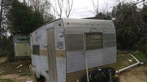 1969 13ft Shasta camper clean title will trade for a running vehicle for Sale in Quincy, FL