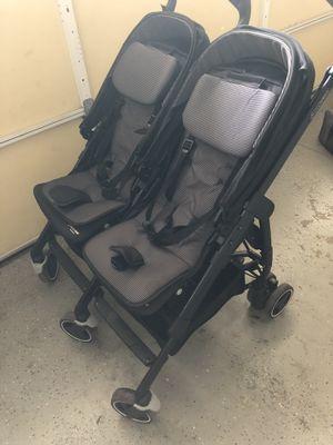 maxi cosi double stroller for Sale in Ewa Beach, HI