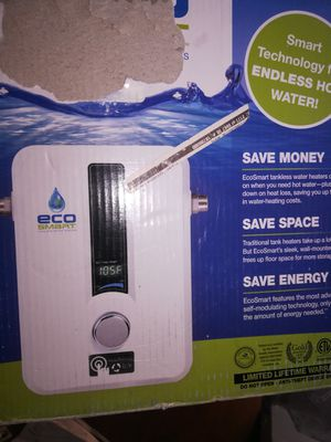 EcoSmart 8 kW Self-Modulating 1.55 GPM Electric Tankless Water Heater for Sale in Moreno Valley, CA