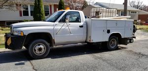 dodge ram 3500 utility truck with lift gate and back up camera for Sale in Aspen Hill, MD
