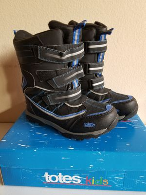 Totes Kids Snow Boots Size 6 for Sale in Las Vegas, NV