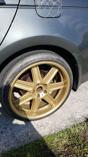 "gold 19"" rim in perfect conditions for Sale in Kissimmee, FL"