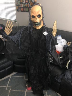 New Hanging Skeleton Posable Halloween Decoration! for Sale in Pittsburg, CA