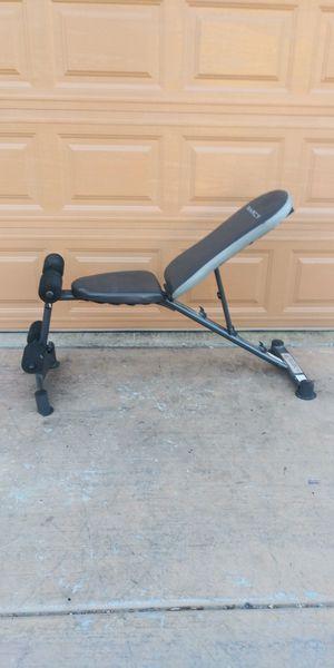 Sit up dumbbell bench for Sale in Las Vegas, NV