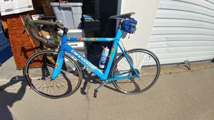 Beautiful Cannondale road bike for Sale in Ontario, CA