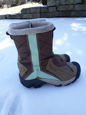 Women's sz 7 Keen Snow - Winter - Boots - NICE for Sale in Bristol, CT