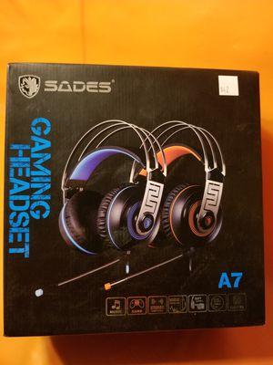 Gaming earpiece/ Headphones/earbuds/headset for Sale in Moreno Valley, CA
