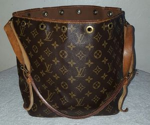Authentic Louis vuitton for Sale in Fresno, CA