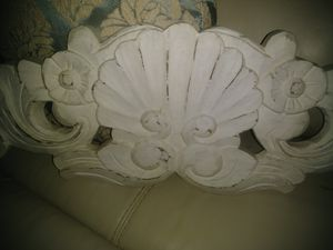 """36"""" carved wood wall decor for Sale in Apopka, FL"""
