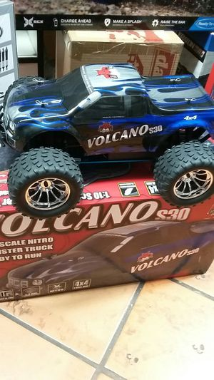Redcat Racing volcano s30 Nitro RC Monster Truck brand new in a box for Sale in Los Angeles, CA