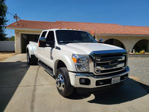 2016 ford F350 fx4 lariat for Sale in Beaumont, CA