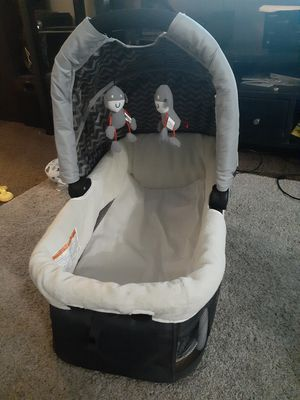Portable baby crib for Sale in Cleveland, OH