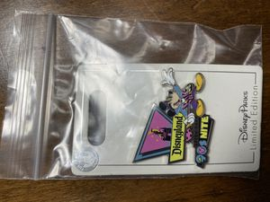 Disneyland 90s nite limited edition pin for Sale in Fresno, CA