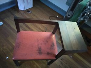 Antique desk with chair for Sale in New Orleans, LA