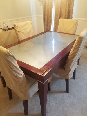 Glass Top Dining Room Table for Sale in Hanover, MD