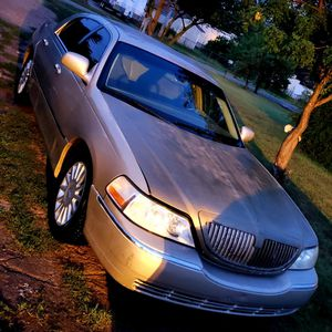 2005 Lincoln Town Car for Sale in Hutchinson, KS