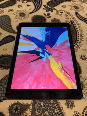 Apple iPad 6th Generation for Sale in Brandon, FL