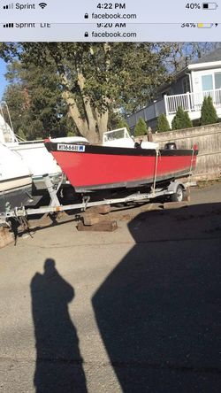 17ft wooden center console for Sale in Nahant,  MA