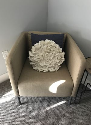 Small Single Couch for Sale in Bethesda, MD