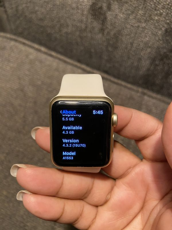 1st Generation Apple Watch + FREE Screen Kit