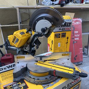 "No Batteries No Charger Like New Tool Only Dewalt Flexvolt 12"" Double Bevel Sliding Miter Saw for Sale in Los Angeles, CA"