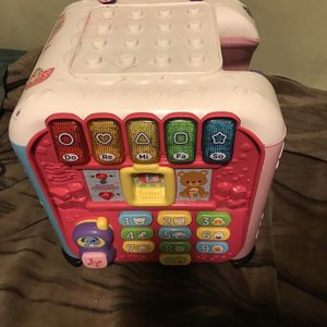 !! Baby Learning Cube by VTech for Sale in Los Angeles, CA