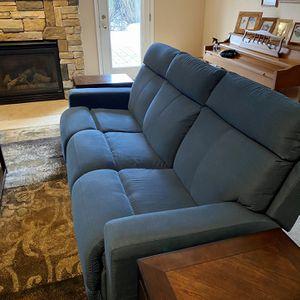 La-Z-Boy - Jax Manual Recliner Couch Excellent Condition for Sale in Farmington, MI