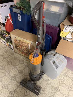 Dyson vacuum for Sale in Westland, MI