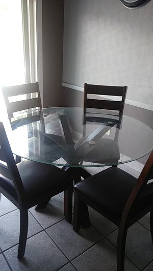 Kitchen table set for Sale in MIDDLEBRG HTS, OH