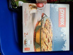 Pyrex seasonal serveware. Pie plate for Sale in Vancouver, WA