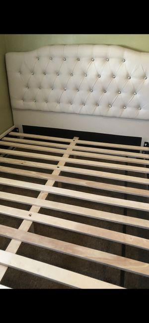 Bed frame NEW for Sale in Los Angeles, CA