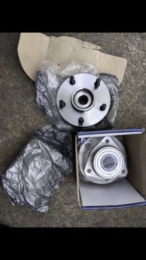 99-04 Jeep Grand Cherokee wheel hubs for Sale in The Bronx, NY